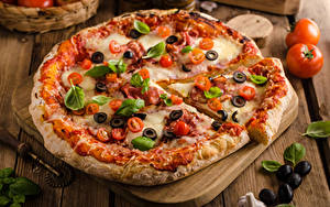 Hintergrundbilder Fast food Pizza Oliven Schneidebrett Basilikum