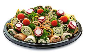 Bilder Fast food Gemüse Tomate Radieschen Weißer hintergrund Tortilla Lebensmittel