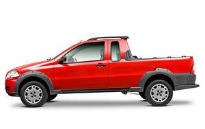 Fotos Fiat Pick-up Rot Metallisch Seitlich Weißer hintergrund  automobil