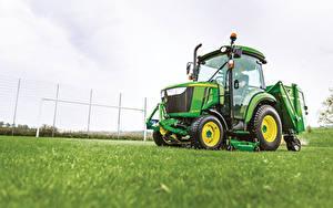 Fotos Acker Traktoren 2014-20 John Deere 3038R Cab