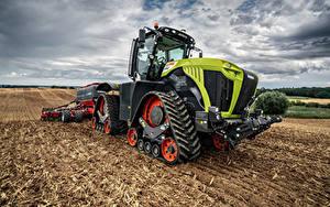 Hintergrundbilder Landwirtschaftlichen Maschinen Felder Traktoren