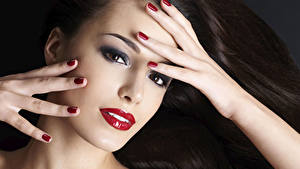 Picture Fingers Face Hair Glance Red lips Hands Manicure Makeup Girls