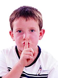 Hintergrundbilder Finger Gestik Weißer hintergrund Jungen Blick Gesicht Kinder