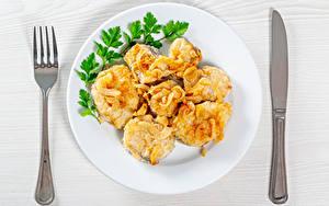Bilder Fische - Lebensmittel Messer Teller Stücke Essgabel das Essen