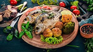 Fotos Fische - Lebensmittel Kartoffel Gemüse Schneidebrett Lebensmittel