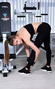 Hintergrundbilder Fitness Avery 1997 Posiert Turnhalle Blick Sport Mädchens