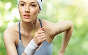 Hintergrundbilder Fitness Unscharfer Hintergrund Gesicht Hand Lauf Mädchens Sport
