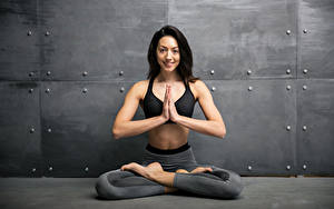 Hintergrundbilder Fitness Brünette Körperliche Aktivität Lächeln Hand Mädchens Sport