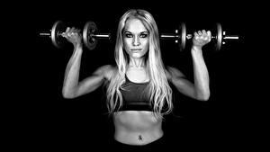 Fotos Fitness Hanteln Bauch Sport Mädchens