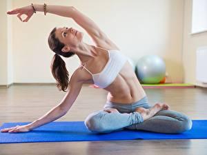 Hintergrundbilder Fitness Lotossitz Yoga Sitzend Bein Bauch Hand Mädchens