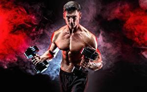 Hintergrundbilder Fitness Mann Bodybuilding Bauch Hand Muskeln Hantel Rauch Sport