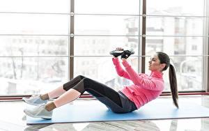 Hintergrundbilder Fitness Trainieren Fenster sportliches Mädchens