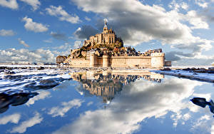 Fotos Frankreich Küste Festung Burg Wolke Spiegelung Spiegelbild Le Mont-Saint-Michel Natur