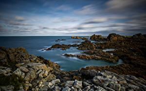 Desktop hintergrundbilder Frankreich Küste Stein Felsen Wolke Bretagne Natur