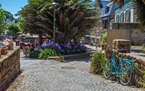 Fotos Frankreich Gebäude Straße Fahrräder Brehat Städte