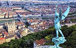 Fotos Frankreich Haus Skulpturen Engel Von oben Flügel Lyon Städte