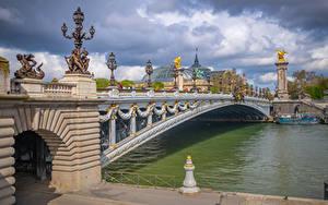 Fotos Frankreich Flusse Brücken Paris Wolke Straßenlaterne Pont Alexandre III, Seine River