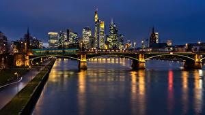 Bilder Frankfurt am Main Deutschland Flusse Brücken Nacht Main river Städte