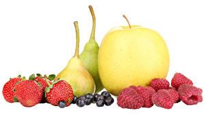 Hintergrundbilder Obst Äpfel Birnen Himbeeren Erdbeeren Heidelbeeren Weißer hintergrund