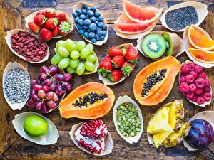 Hintergrundbilder Obst Weintraube Kürbisse Erdbeeren Himbeeren Heidelbeeren