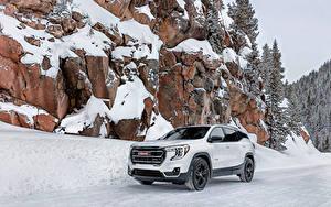 Hintergrundbilder GMC Softroader Weiß Metallisch Schnee Felsen Terrain AT4, 2021 automobil
