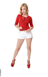 Hintergrundbilder Genevieve Gandi iStripper Blond Mädchen Weißer hintergrund Hand Shorts Bein Stöckelschuh junge frau