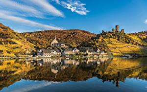 Hintergrundbilder Deutschland Herbst Flusse Haus Spiegelt Hügel Beilstein, river Moselle Städte
