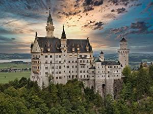 Bilder Deutschland Burg Schloss Neuschwanstein Wolke