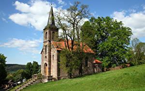 Hintergrundbilder Deutschland Kirchengebäude Türme Bäume Bornhagen, Ev. Kirche Städte