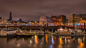 Bilder Deutschland Hamburg Bootssteg Binnenschiff Haus Nacht Städte