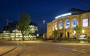 Desktop hintergrundbilder Deutschland Gebäude Abend Stadtstraße Straßenlaterne Fahrrad Schienen Freiburg Städte