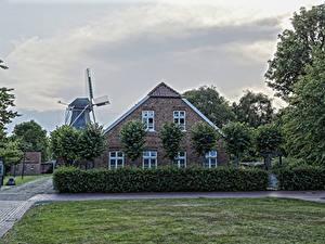 Bilder Deutschland Haus Herrenhaus Rasen Strauch Windmühle Leezdorf Städte