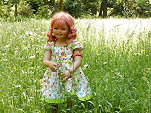 Desktop hintergrundbilder Deutschland Parks Puppe Kleine Mädchen Kleid Gras Grugapark Essen Natur
