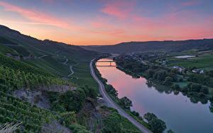 Bilder Deutschland Flusse Brücke Straße Weinberg Erden, Mosel River