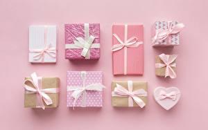 Bilder Geschenke Schleife Schachtel Rosa Hintergrund