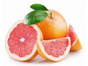 Hintergrundbilder Grapefruit Hautnah Weißer hintergrund Stücke das Essen