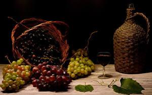Fotos Trauben Wein Stillleben Krüge Weidenkorb Weinglas Lebensmittel