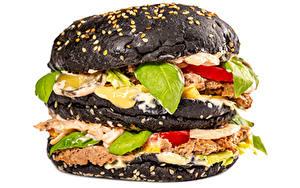 Fotos Burger Brötchen Gemüse Fleischwaren Hautnah Weißer hintergrund Schwarz das Essen