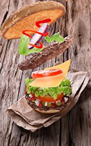 Fotos Burger Frikadelle Käse Gemüse Bretter das Essen