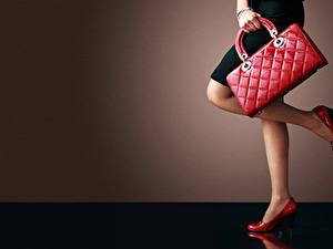 Fotos Handtasche Hand Bein High Heels Strumpfhose Mädchens