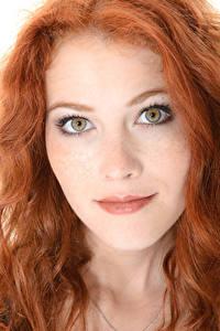 Fotos Heidi Romanova iStripper Gesicht Rotschopf Haar Starren junge frau