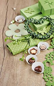Fotos Feiertage Bonbon Geschenke Herz das Essen