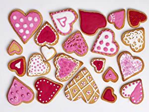 Papéis de parede Feriados Bolacha Dia dos Namorados Fundo branco Coração Design Alimentos