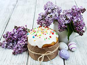 Bilder Feiertage Ostern Backware Kulitsch Syringa Bretter Ast Eier Lebensmittel Blumen