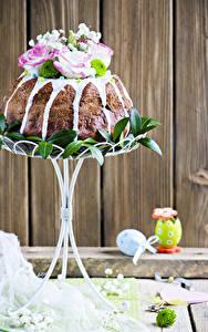Fotos Feiertage Ostern Backware Kulitsch Rosen Bretter Ei Design Lebensmittel