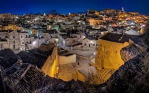 Desktop hintergrundbilder Gebäude Italien Nacht Matera, Sasso caveoso Städte
