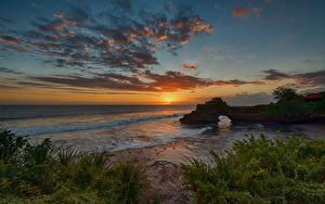 Hintergrundbilder Indonesien Küste Sonnenaufgänge und Sonnenuntergänge Wasserwelle Himmel Wolke Tanah Lot Bali Natur