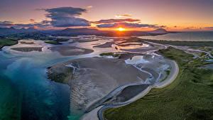 Desktop hintergrundbilder Irland Küste Morgendämmerung und Sonnenuntergang Wolke Sonne Von oben Donegal Natur