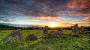 Hintergrundbilder Irland Stein Sonnenaufgänge und Sonnenuntergänge Himmel Gras Donegal