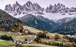 Bilder Italien Berg Kirchengebäude Bäume Dolomites, South Tyrol
